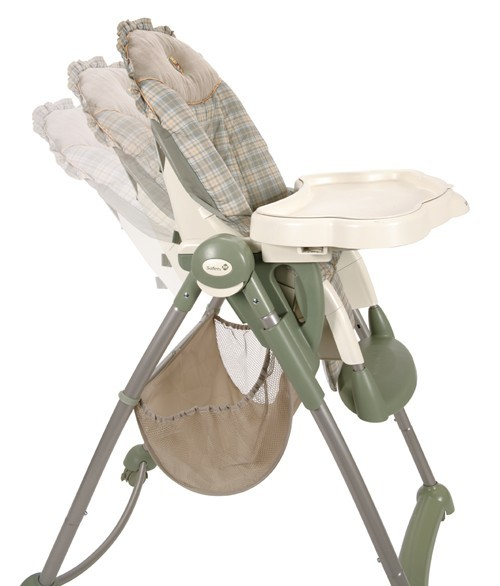 HC092NAB�Disney Serve 'n Store High Chair