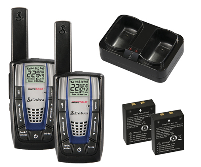 CXR875 + 4 x GA-EBM2�Cobra CXR875 30 Mile 22 Channel FRS/GMRS Walkie Talkie 2-Way Radios (4) + Headsets (4)