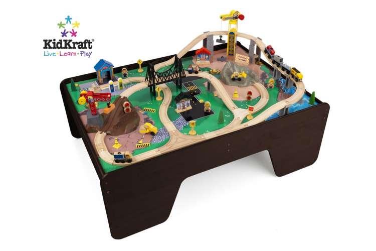17962�KidKraft Hard Hat Highway Wood Train Table & Toy Set